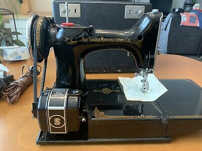 SINGER 221 Featherweight Sewing Machine 1945 Model Plus More !