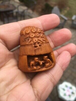 Japanese Netsuke of a Hand Carved Artist Signed Estate Find