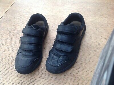Bootleg Clarks Boys Shoes Size 3. Eur 35.5 Black School Leather Used.