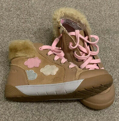 Clarks Girls Faux Fur Zip Up Boots Size 9G