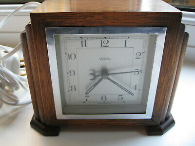 1930s Lovely Art Deco clock 240 mains powered superb working condition.
