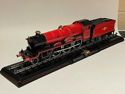 Noble Collection 1/50 Harry Potter Hogwarts Express diecast Loco model, fine.