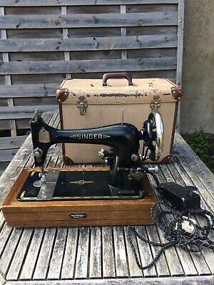 Singer Sewing Machine 1950's with Universal Motor