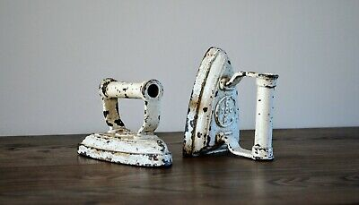 Collectable Vintage Cast Iron Flat Iron Great Door Stop / Book Ends