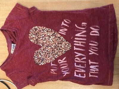 Gorgeous NEXT girls age 7 yrs Deep pink T-shirt with print & sequin heart