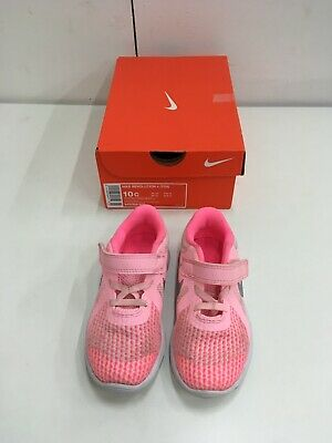 nike revolution 4 Girls Trainers Size: 9.5 Colour: Artic Punch/metallic Silver
