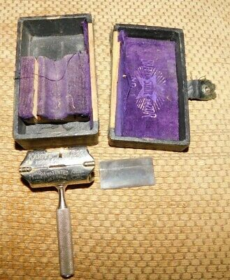 KAMPFE BROS. STAR RAZOR with blade and case
