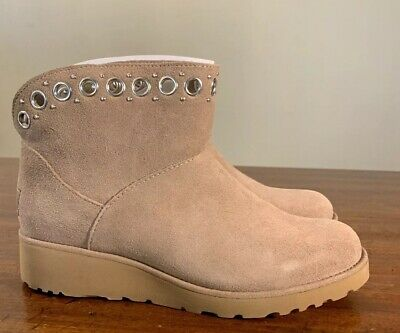 Ugg Riley 1020054 Fawn Woman's Boot's Size 7 Exclusive Style 100% Authentic New