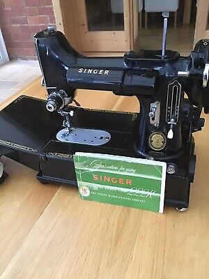 Vintage Singer 222k Sewing Machine.