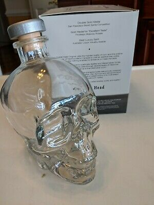 Large Crystal Head Vodka Empty Skull Glass Bottle with Cork w/ Box 750 ML Canada