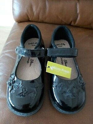 Girls School Shoes. Size 12/31. Brand New