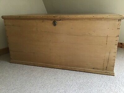A Lovely Antique Pine Victorian Medium Sized Coffer Blanket Box