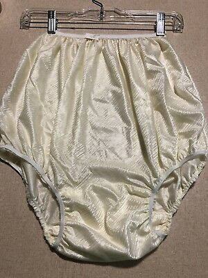 Vintage Silky Soft Nylon Double Mushroom Gusset Granny Cream Shiny Panties