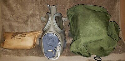 CZECH M17 Gas Mask With Canvas Carrying Case, hood and new filters