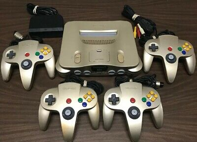 USA Gold Toys R Us N64 Nintendo 64 Game Console  4 Controllers Super Rare Lot #3