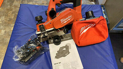 Milwaukee M18BMT-0 M18 18V Multi Tool With Tote Tool Bag /& 39pcs Accessories Set