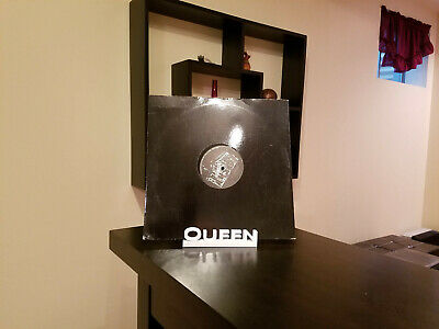 Queen Vinyl Record Wall Mount Display Shelf, Record Storage, White Large