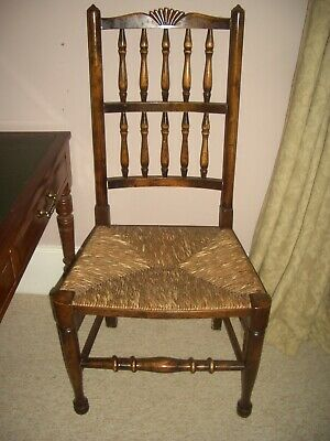 A Set of 6 spindle Back Country Dining Chairs