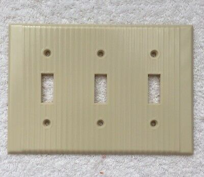 VTG LEVITON Ribbed 3 Toggle Triple Wall Light Switch Plate Cover Ivory