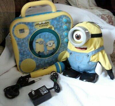 Minion Powered Karaoke System Despicable Me + Talking moving Minion