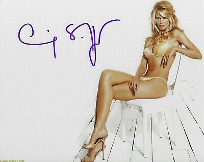 CLAUDIA SCHIFFER SIGNED 8x10 PHOTO - UACC & AFTAL RD AUTOGRAPH