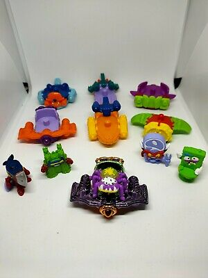 Superzings series 3, 5 figures and 7 supersliders. Inc 1 Metallic Special