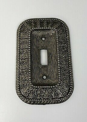 Vintage Tack & HDWE Co. Metal Daisies Flower Single Light Switch Cover