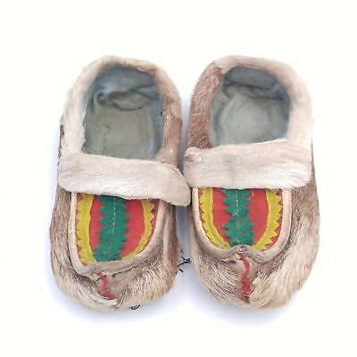 "Vintage Antique Children/Kids Lapland Reindeer Skin/Hair Moccasins - 7"" Long"