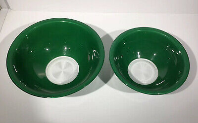 Set of 2 Pyrex Clear bottom  Glass mixing bowls hunter green 1.5 and 2.5L