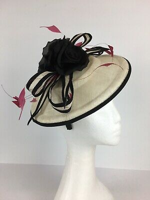 Ladies Fascinator Black / Creamy White with Pink Feathers  (105)