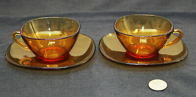 2 x Vintage Mid Century 1960/1970 French Amber Vereco Coffee Tea Cups Saucers
