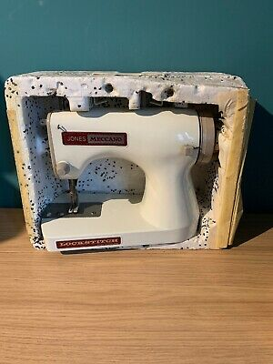 Vintage JONES MECCANO Lockstitch  Hand Operated SEWING MACHINE Boxed complete