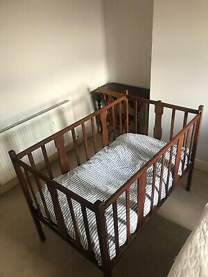 Large Oak Drop Sided Child's Cot In The Style Of Mouseman Robert Thompson