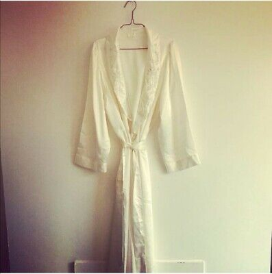 Womans vintage dressing gown size 14-16