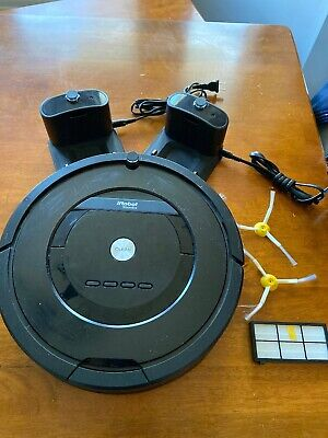 iRobot Roomba 805 Vacuum Cleaning Robot with Accessories USED-EXCELLENT