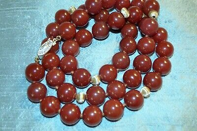 Lovely Estate Carnelian 14K Gold Hand Knotted Beaded Necklace