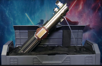 Disneyland  Galaxy's Edge Reforged Rey Skywalker Legacy Lightsaber Star Wars