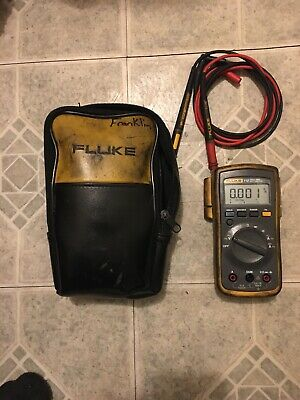 Fluke 112 Multimeter w/ Leather Carrying Case