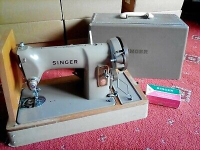 Singer 185k Sewing Machine Vintage w/ Case + Accessories