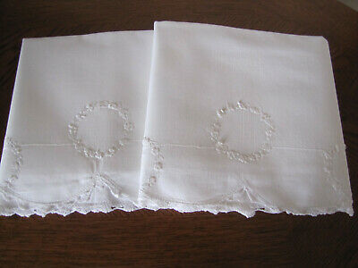 Vintage Pair Of Pillowcases White Embroidered & Crocheted French Knotted Wreaths