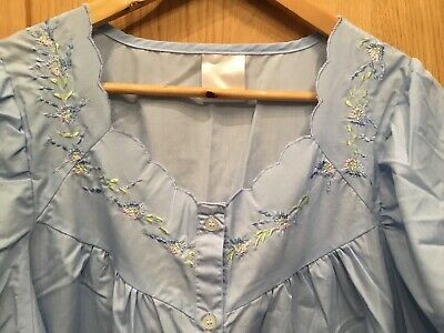 Vintage Retro Ladies Blue Polyester Cotton Nightgown Flower Detail Size 18 20