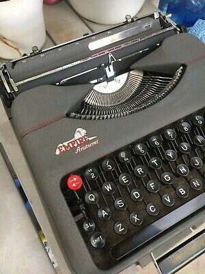 Retro EMPIRE - ARISTOCRAT Portable typewriter.  Carry lid Working order