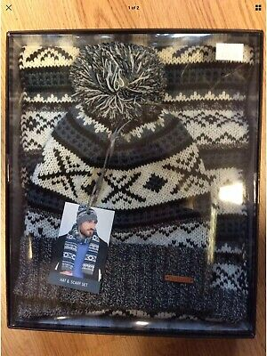 Matching Hat & Scarf Set. Bobble Beanie Hat. NEW.