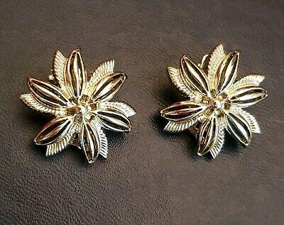 """Vintage Estate Silver Tone 1"""" Flower Etched Textured Filigree Clip On Earrings"""