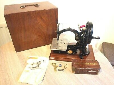 Antique wilcox & gibbs chainstitch sewing machine, Vintage Home decor