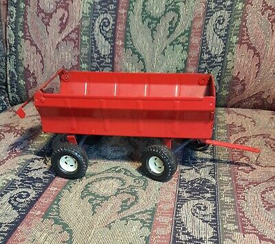 1/16 Case IH Red Barge Tractor Wagon Farm Country Pressed Steel ERTL