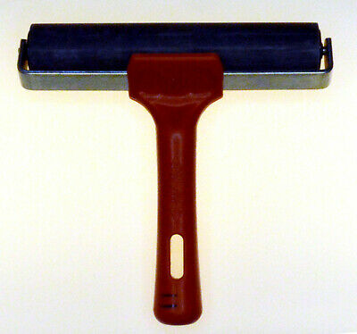 200 mm  Roller with Plastic handle and metal frame UIK Made