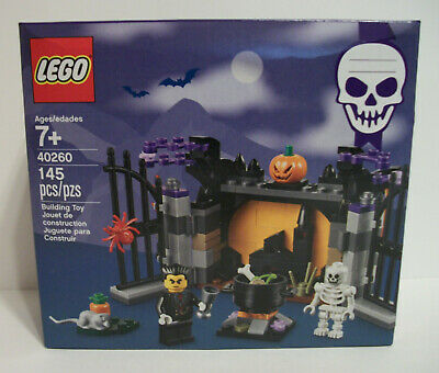 Gift New LEGO 2017 Halloween Haunt Vampire Limited Edition 145 Pcs Set 40260