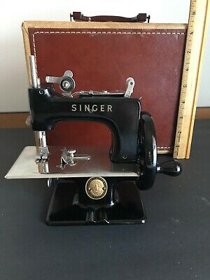 Vintage 1951 Singer SewHandy Model 20 100th Anniversary Sewing Machine/Case