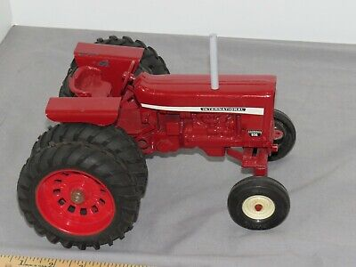 Vintage International FARMALL 656 Tractor with Duals 1:16 CUSTOM IH